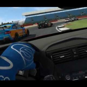 BMW M235i @Silverstone 16/01/18- Raceroom VR 1/2