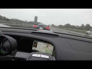 350 km/h (218 mph) 918 chasing Koenigsegg Agera R on German Autobahn Porsche vs Koenigsegg
