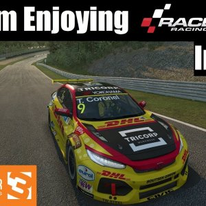 Why I'm Really Enjoying RaceRoom Racing Experience Right Now!
