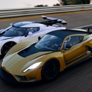 [VR] Hennessey Venom F5 vs Koenigsegg JESKO E85. Nardo high speed ring battle